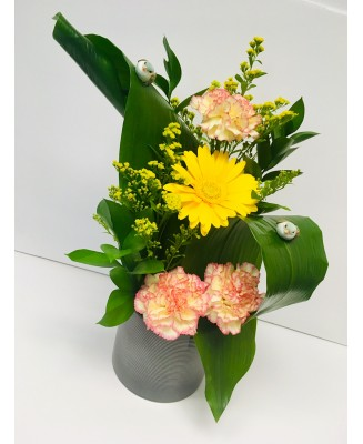 Flower arrangement creation Q4
