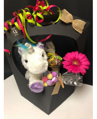 Gift basket with unicorn