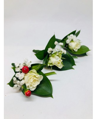 A corsage in simplicity